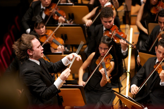 Dirección orquestal: ¿Con o sin partitura?